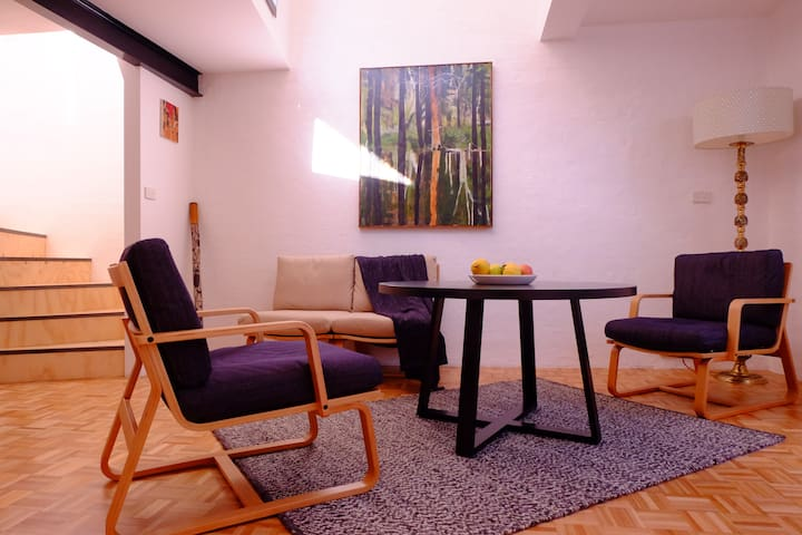Laneway apartment