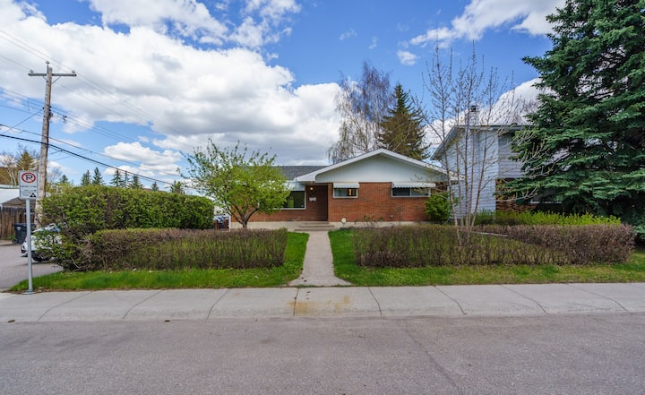 3BED House | Market Mall/Childrens/Foothills/UofC