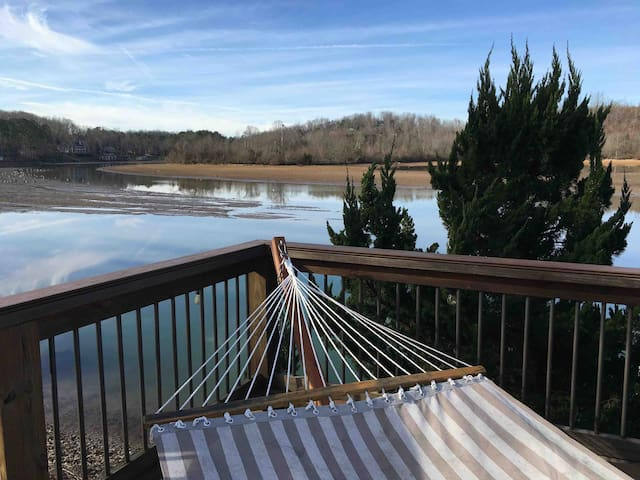 10 feet from the Lake! (w/Private Entrance)