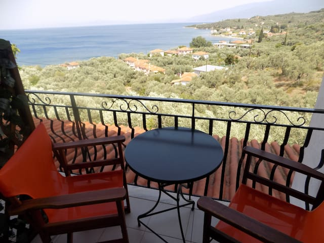 """""""Margianou"""" Holiday Self-Catering Apartment"""