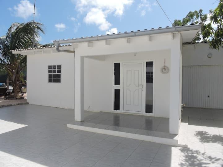 Appartement te huur met zwembad, Rancho, Curaçao