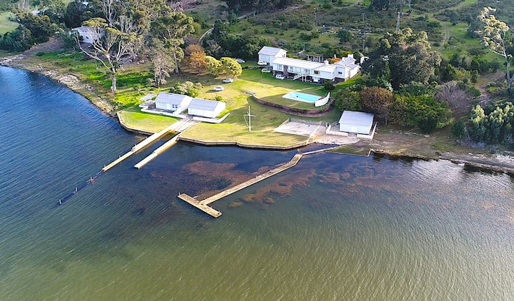 Private paradise on the Hermanus Lagoon