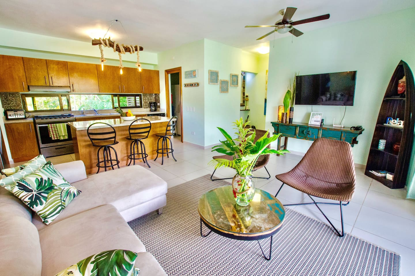 Fresh! newly redecorated! One of the largest 2/2 apartments in Los Cocos. large kitchen, Laundry room, walk in closet and balcony in master bedroom with king bed. Guest room, two full size beds. Space for luxury twin mattress.