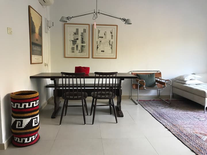 Charming 2 bedroom & garden , North Tel Aviv house