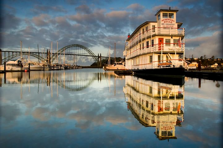 Stay on a Sternwheel Riverboat B&B Cabin 5