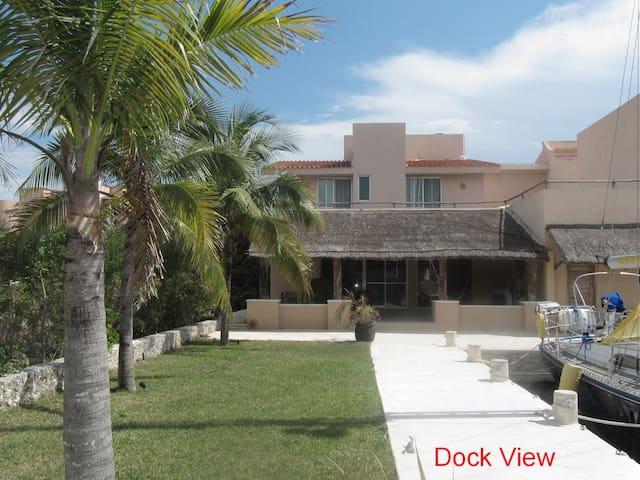 Riviera Maya Waterfront 8+ guest Puerto Aventuras. - Puerto Aventuras - Talo
