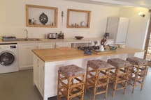 Kitchen island with gas hob.