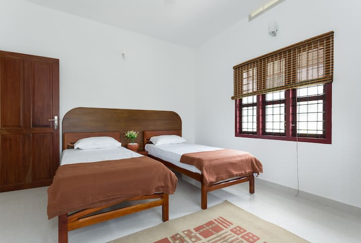 Green Velvet Magic at Green View - Kunnukara - Bed & Breakfast