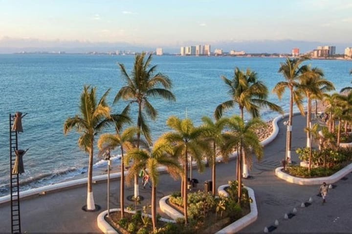The Malecon early