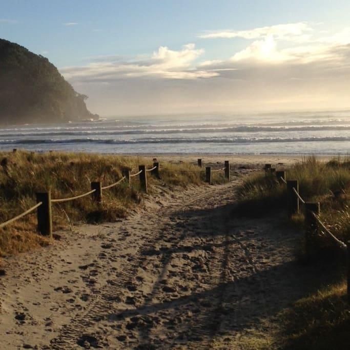 Beach access nr surf club