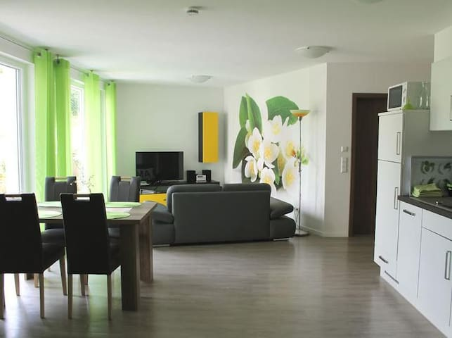 Holiday Apartment Jasmin with Private Terrace & Wi-Fi; Parking Available