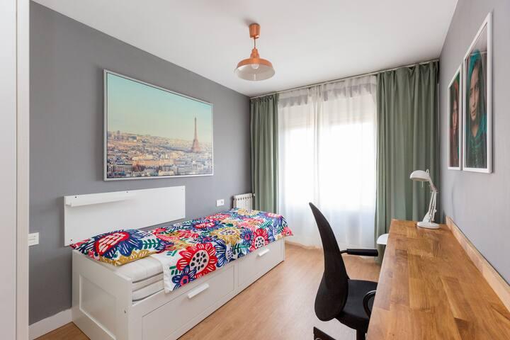 Dormitorio 2 / Estudio