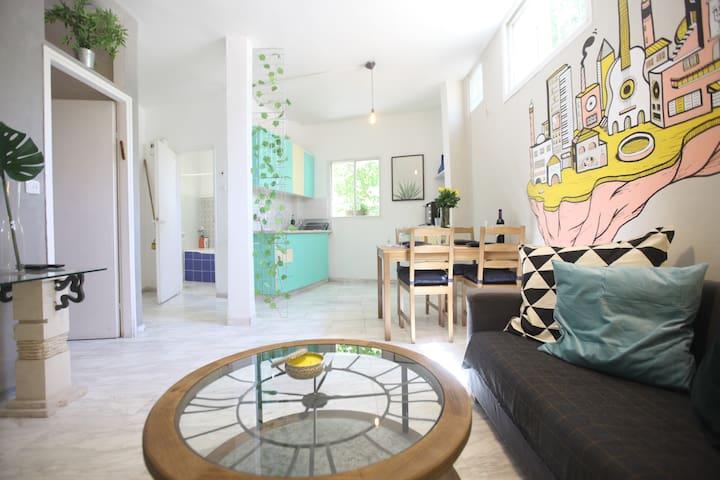 Beautiful & Modern 1BR Prime Location Apartment