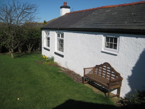 Cosy cottage, over 100 5* trip advisor reviews