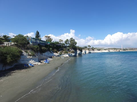 Chalet Governors, quiet and 7 min walk from beach!