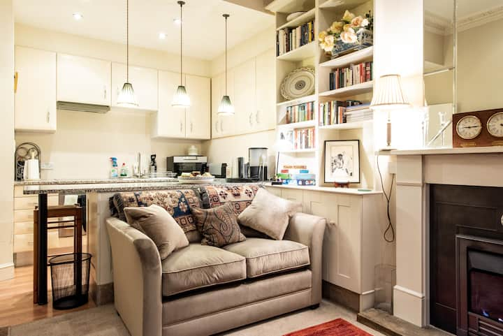 Period Pimlico hideaway (self contained annexe)