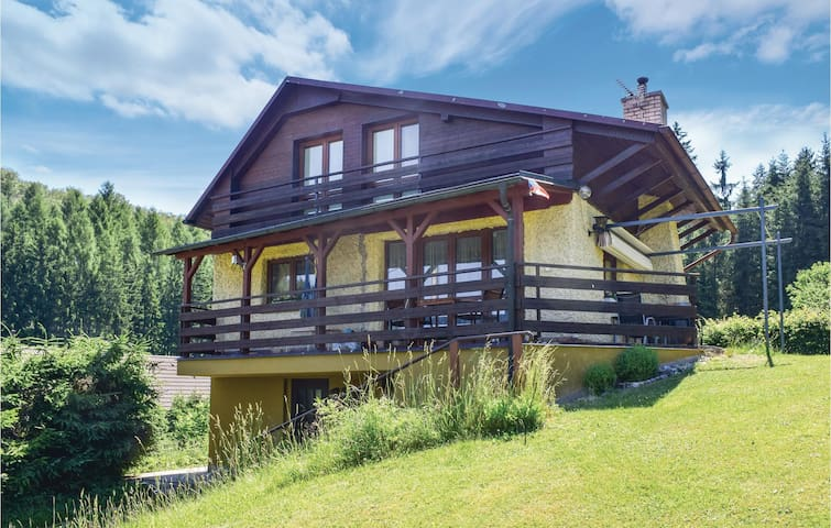 Holiday cottage with 3 bedrooms on 86m² in Trutnov