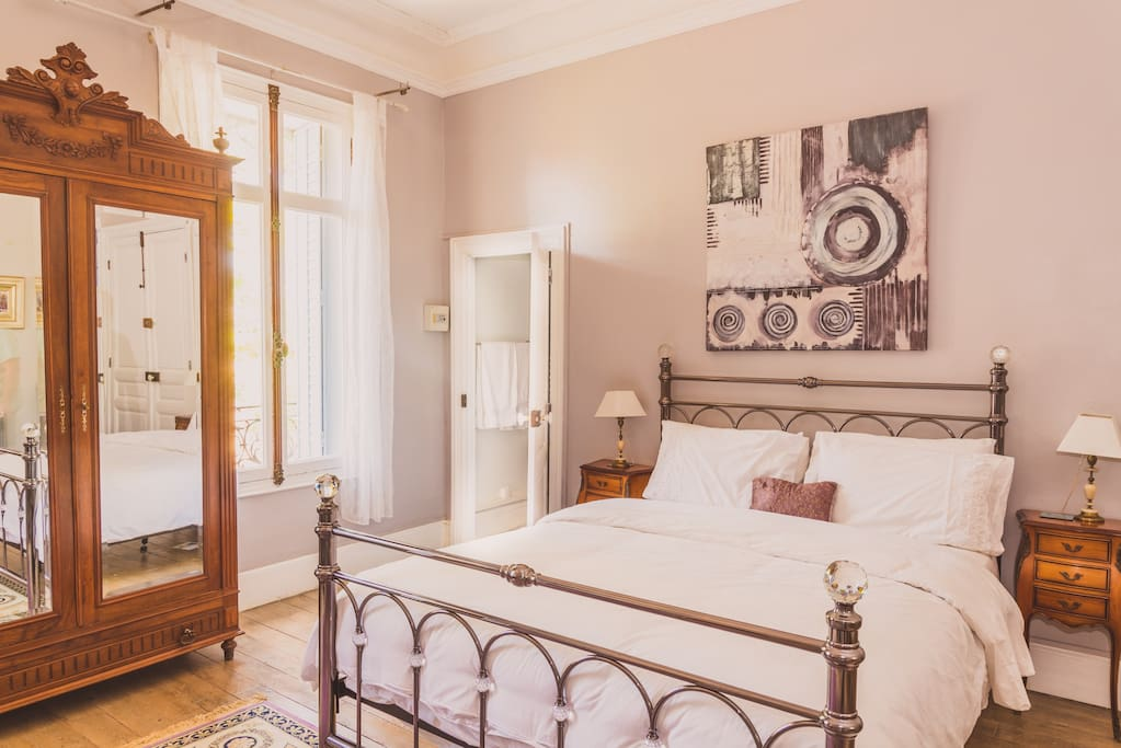 Chambre Celine, our double bedroom with its own private bathroom.