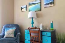 Private Room in Spacious Luxury Condo
