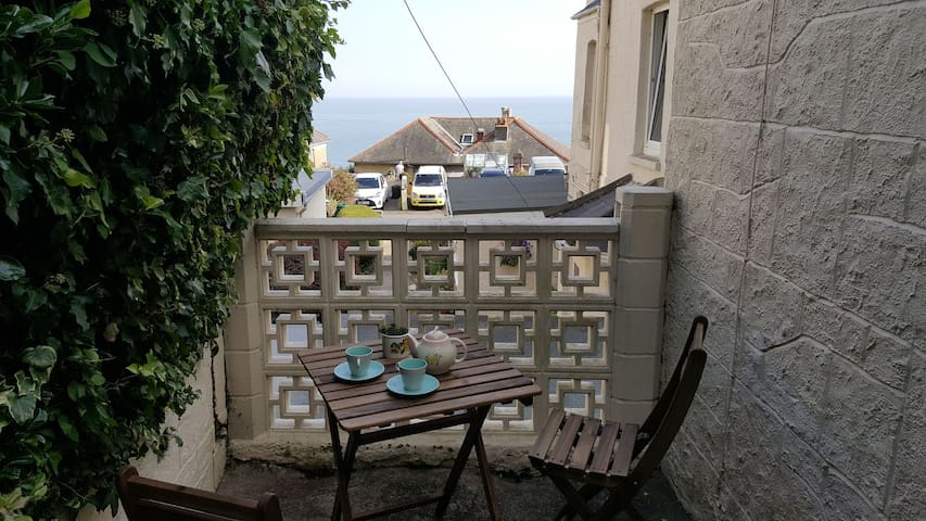 Seasider Holidays - 1 bed apartment with terrace