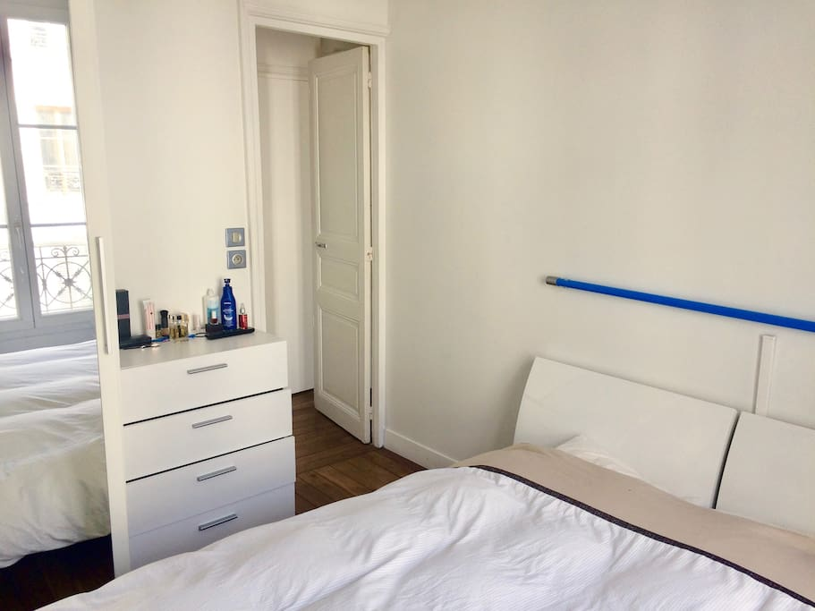 Bright room with comfy double bed and TV
