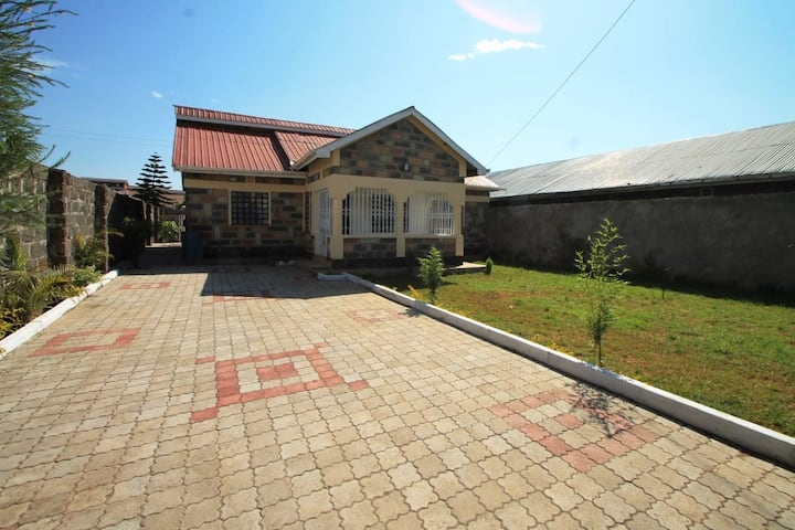 3 bedroom furnished own compound house,Nakuru
