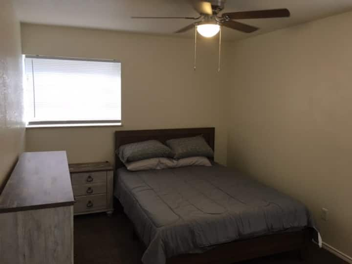 Cozy Lawton 1 bedroom apartment no cleaning fee