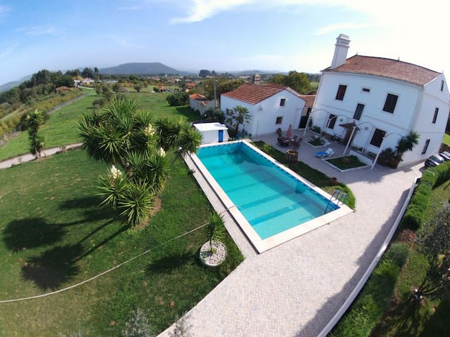 Period Manor, refreshing pool and stunning garden