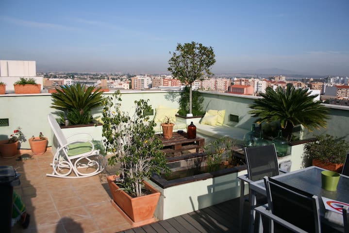 ATICO CON SPA-JACUZZI EN TERRAZA PARKING PARA AUTO - Murcia - Appartement