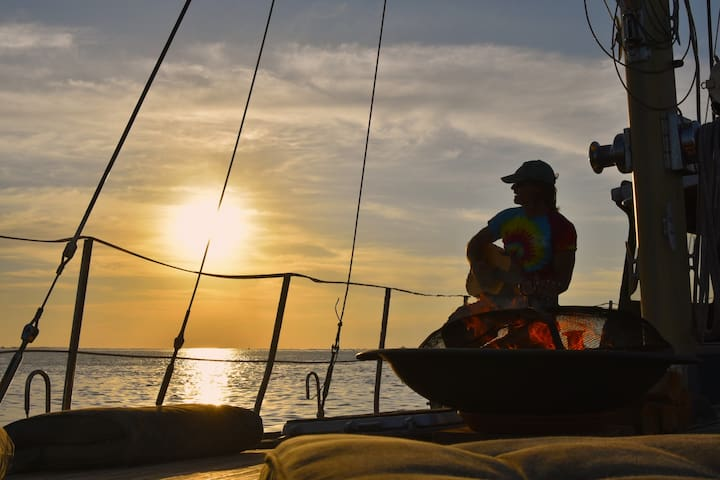 "Crew ""The Boat"",sunsets & moon rise - Key West - Bateau"