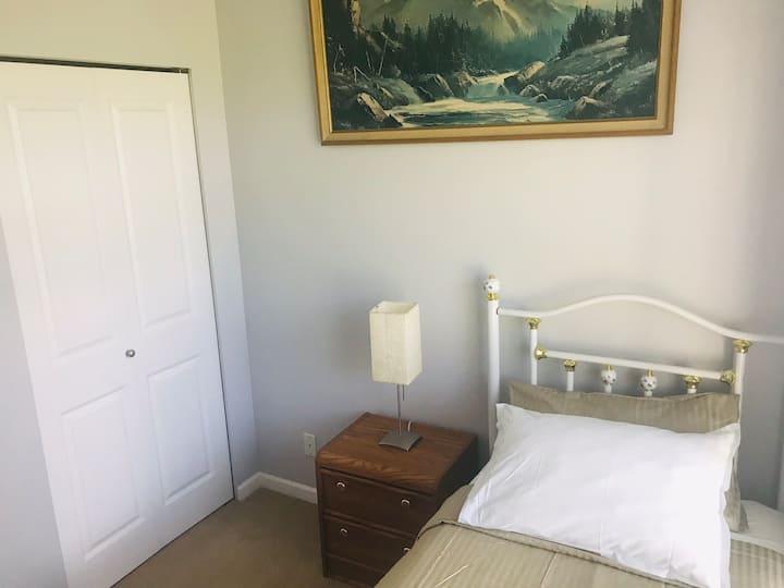 Single bed Room in a condo near Guildford Centre
