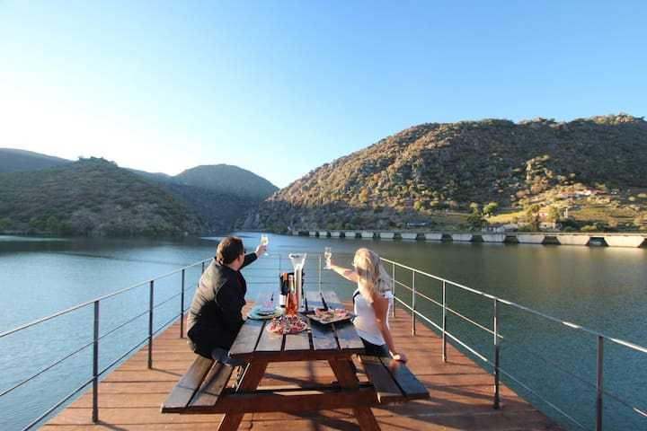 Douro Chalets - Chalets over Waters