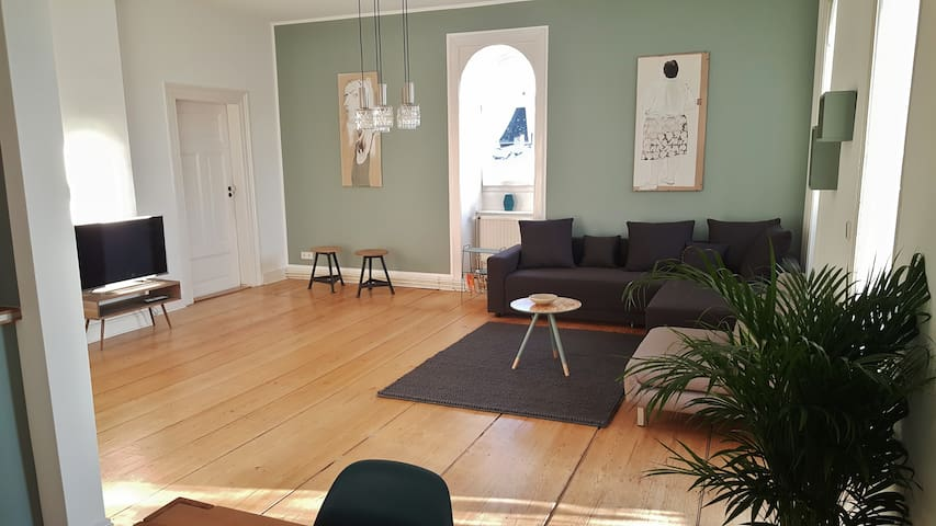 lovely apartment with balkony + garden near center - Wiesbaden - Departamento