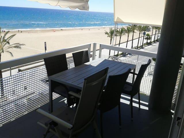 Apartamento con Increíbles vistas al mar. Calafell