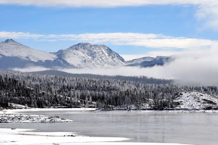 Fantastic Lake and Mountain Views! - Grand Lake