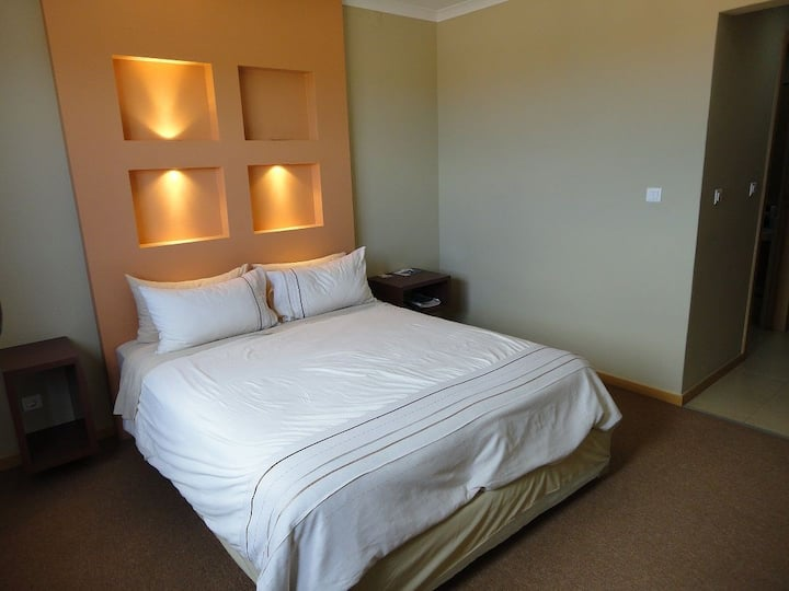 Beatiful serviced aparthotel with swimming pool