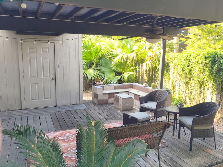 Expansive, comfortable outdoor area!