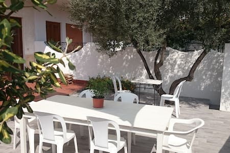 """Casa Vacanza """"Il piparello"""" - Rometta Marea"""
