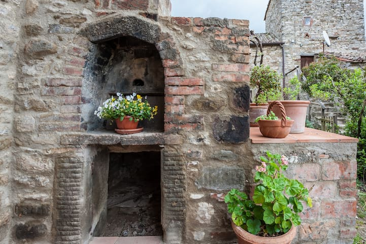 Antica casa colonica in pietra. - Cortona - Huis