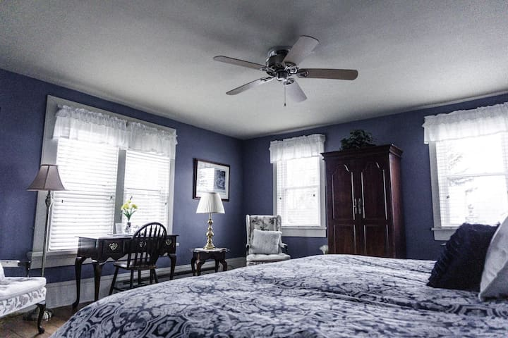 Springfield House - Oak Hall Suite