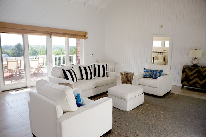 The Surf Haus: Sweeping Views of Montauk w/ Pool - Монтаука - Дом
