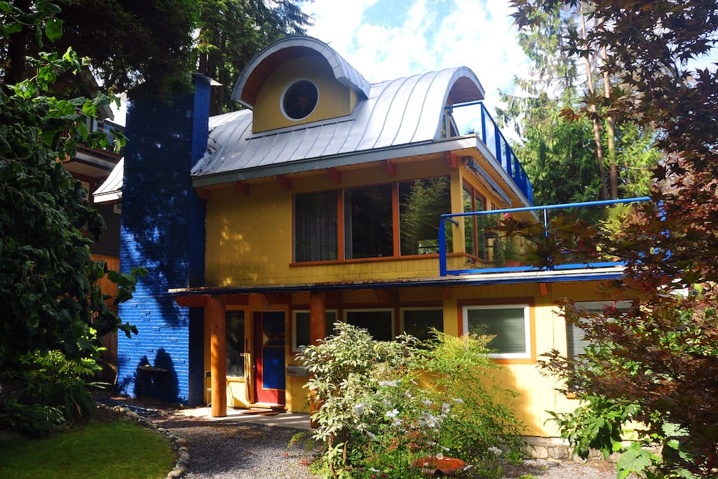 Our seaside home, THE WAVE and garden level apartment, on Rockcliff Road, North Vancouver, BC