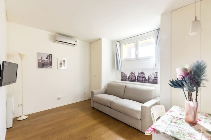 Sabina's apartment- Aventino