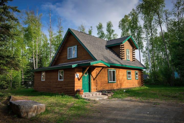 Log Home on 1/2 Acre, Gladstone Retreat, Wasilla