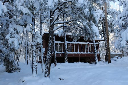 Cozy, Tranquil, Romantic Cabin in Pinetop! - Pinetop-Lakeside - Kabin
