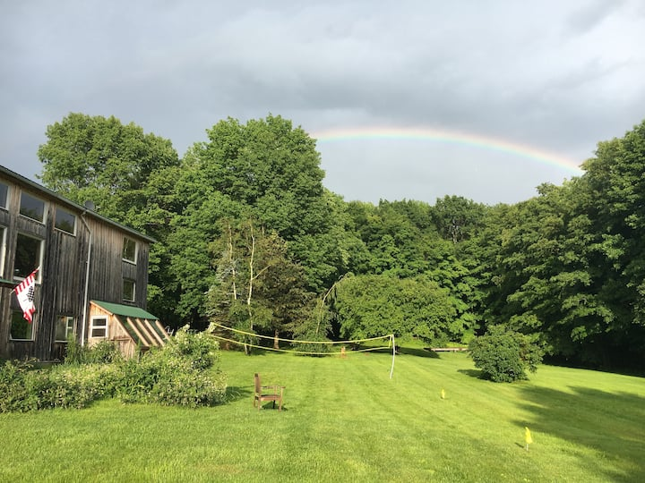 Quiet Retreat - Converted Barn on 4.5 Acres
