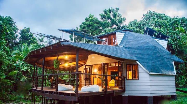 Cape Tribulation Holiday House The Daintree FNQ
