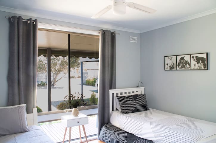 3rd bedroom with King single and single bed