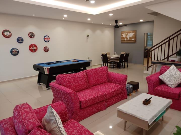 Urban Hub 9 @KSB Malacca Near Jonker St 18pax 7R6B