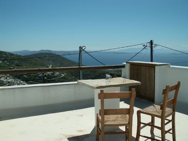 Vintage stone Home in Tinos with gorgeous Views